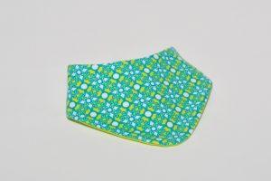 Halstuch Stoff Vorderseite: Jersey Ornamente Stoff Rückseite: Jersey uni gelb Klettverschluss