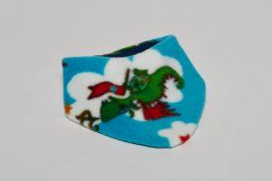Halstuch Stoff Vorderseite: Fleece Drachen blau Stoff Rückseite: Jersey dunkelgrün Klettverschluss