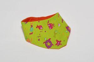 Halstuch Stoff Vorderseite: Jersey Seetiere grün Stoff Rückseite: Jersey uni orange Klettverschluss